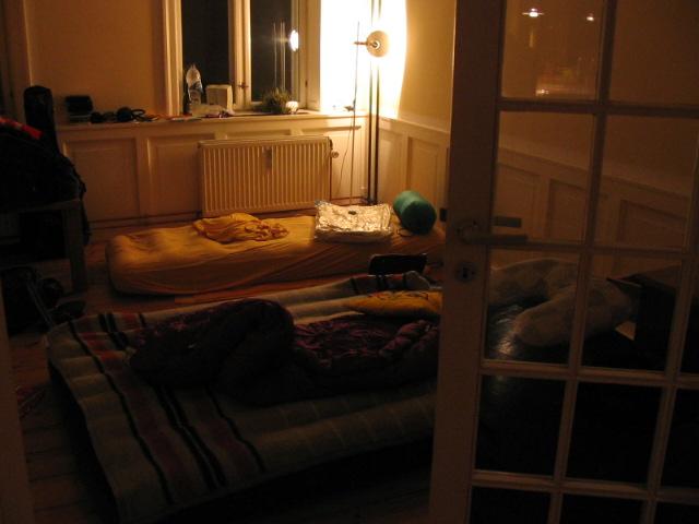 menu. Black Bedroom Furniture Sets. Home Design Ideas